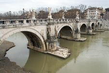 Free Castel Sant Angelo And Its Bridge In A Rainy Day Royalty Free Stock Photos - 7710438