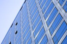 Free Windows By Modern Building Royalty Free Stock Images - 7710789