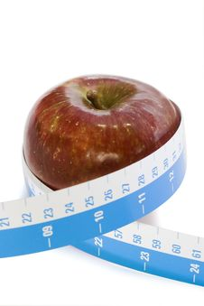 Free Red Apple And Tape Measure Royalty Free Stock Image - 7718076