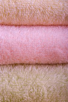 Free Colorful Towels Isolated Royalty Free Stock Photo - 7720295