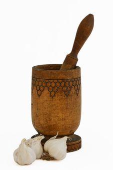 Free Mortar With Pestle And Bulbs Of Garlic Stock Image - 7730411