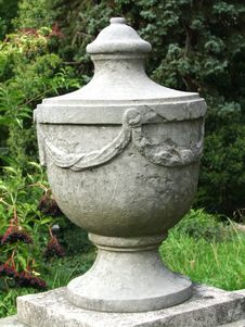 Free Granite Urn Royalty Free Stock Photography - 7731817