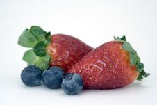 Free Strawberries And Blueberries Royalty Free Stock Photography - 7733287