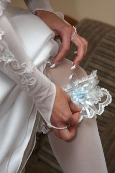 Free Garter On Leg Of The Bride Stock Photo - 7737180
