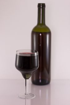 Free Glass And Bottle With Red Wine Royalty Free Stock Photos - 7738948
