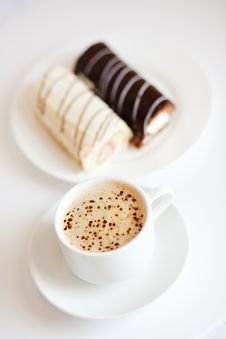 Free Coffee With Chocolate Cakes Stock Photo - 7739030