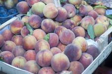 Fresh Peaches On Display Royalty Free Stock Photos