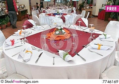 Restaurant Tables Set Up | Credainatcon.com
