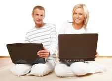 Free Happy Couple With Laptop Royalty Free Stock Image - 7743386