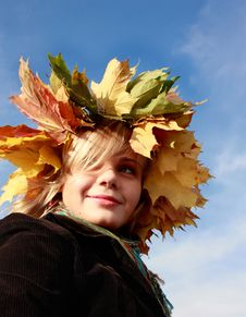 Free Autumn Girl With Blue Sky Royalty Free Stock Photography - 7743407