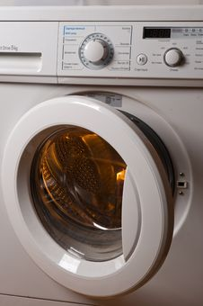 Free Automatic Washing Machine. Royalty Free Stock Photo - 7743425