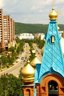 Free Russian Church In City Royalty Free Stock Image - 7744326