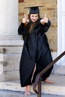 Free Thumbs Up Grad Royalty Free Stock Photos - 7746478