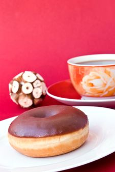 Free A Fresh Coffee With Donut Royalty Free Stock Photo - 7747075