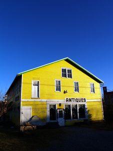 Free Yellow Antique Barn Royalty Free Stock Photos - 7747268