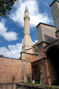 Free Minaret At Hagia Sofia In Istanbul Royalty Free Stock Images - 7748329