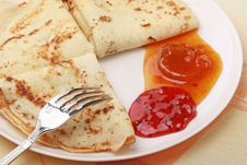 Free Three Tasty Pancakes Royalty Free Stock Image - 7751156