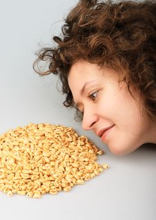 Free Popped Wheat Grains And Girl Royalty Free Stock Images - 7751869