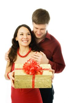 Free Young Man Gives A Present To His Wife Royalty Free Stock Images - 7755649