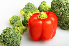 Free Green Broccoli And Red Pepper Royalty Free Stock Image - 7768176