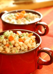Free Vegetable Meal Of Beans And Carrots Royalty Free Stock Photography - 7768597