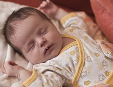Free Newborn Baby Sleeping Royalty Free Stock Images - 7770809