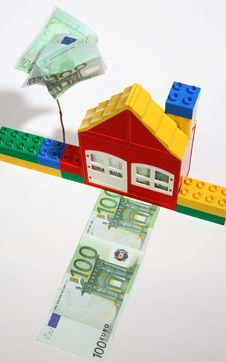 Free House With Banknotes-save Money. Royalty Free Stock Photos - 7771798