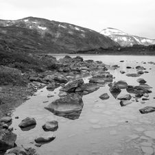Free Black-and-white Picture Of A Lake In Norway Royalty Free Stock Photography - 7772787