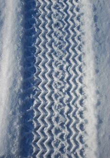 Free Tire Print On The Snow Stock Photography - 7773162