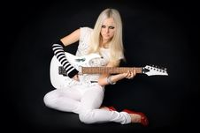 Free Rock-n-roll With The Beautiful Blonde Royalty Free Stock Photography - 7775857