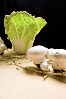 Free Cabbage And Mushroom 1 Stock Images - 7777944