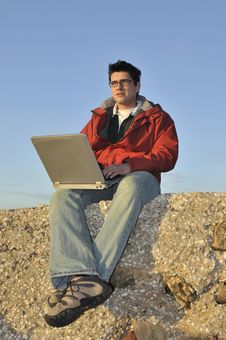 Free Young Man With Laptop Royalty Free Stock Photos - 7779308