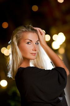 Free Blond Woman Outdoors Stock Image - 7781221
