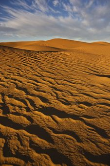Free Sand Dunes With Cloudy Sky Royalty Free Stock Photo - 7784065