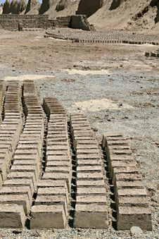 Free Mud Bricks Royalty Free Stock Images - 7784279