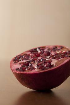 Free Pomegranate Half Stock Image - 7789461