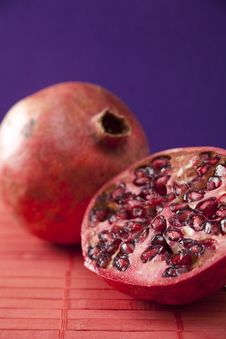Free Pomegranate Halves Stock Images - 7789604
