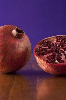 Free Pomegranate Halves Stock Image - 7789631