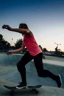 Free Young Female Skateboarder At The Skatepark Stock Photos - 77816903