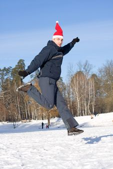 Free Man Jumping In Winter Royalty Free Stock Photography - 7795177