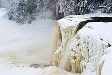 Free Frozen Waterfall In Winter Stock Photography - 7796122