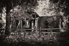 Free Old Abandoned House Royalty Free Stock Photo - 7797925