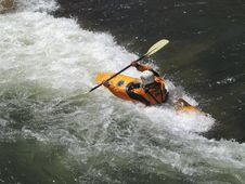 Free River Kayaker 2 Royalty Free Stock Photography - 784417