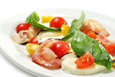 Free Salad With Cherry Tomato And Buffalo Cheese Stock Images - 7800684