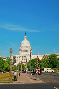 Free Capitol Building View From 3rd Street Royalty Free Stock Photo - 7805375
