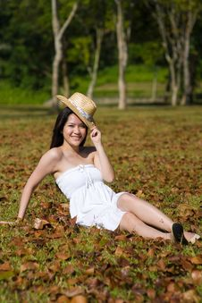 Free Beautiful Asian Girl In The Park Royalty Free Stock Photography - 7811677