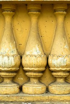 Free Ancient Grunge Colonnade Background Royalty Free Stock Images - 7812889