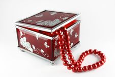 Free Glass Casket With Pearls Stock Photography - 7813762