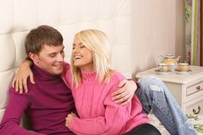 Free Positive Young Couple Hugging On Bed Royalty Free Stock Photo - 7815495