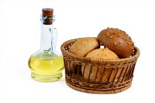 Free Bottle Oil And Bread Basket Royalty Free Stock Images - 7816999